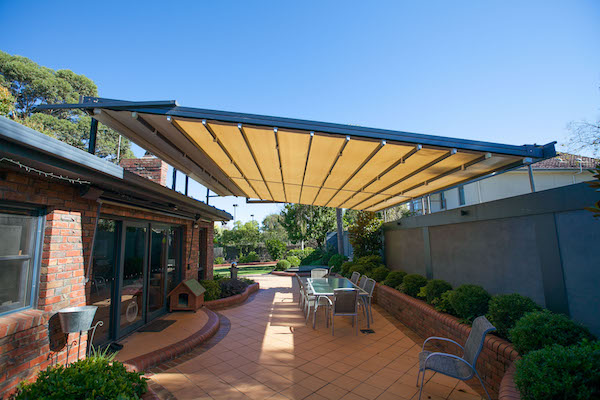 Restaurant Shade Systems3
